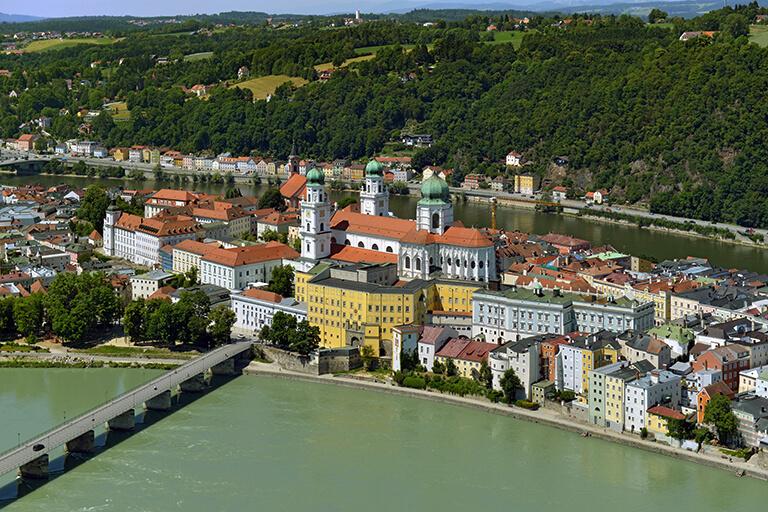 67 Passau_Altstadt_Copyright_Hajo_Dietz